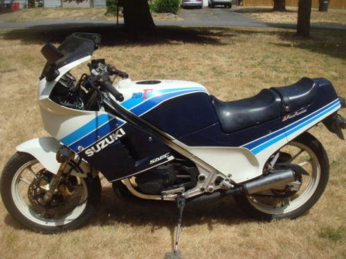1986 Suzuki RG250 R Side
