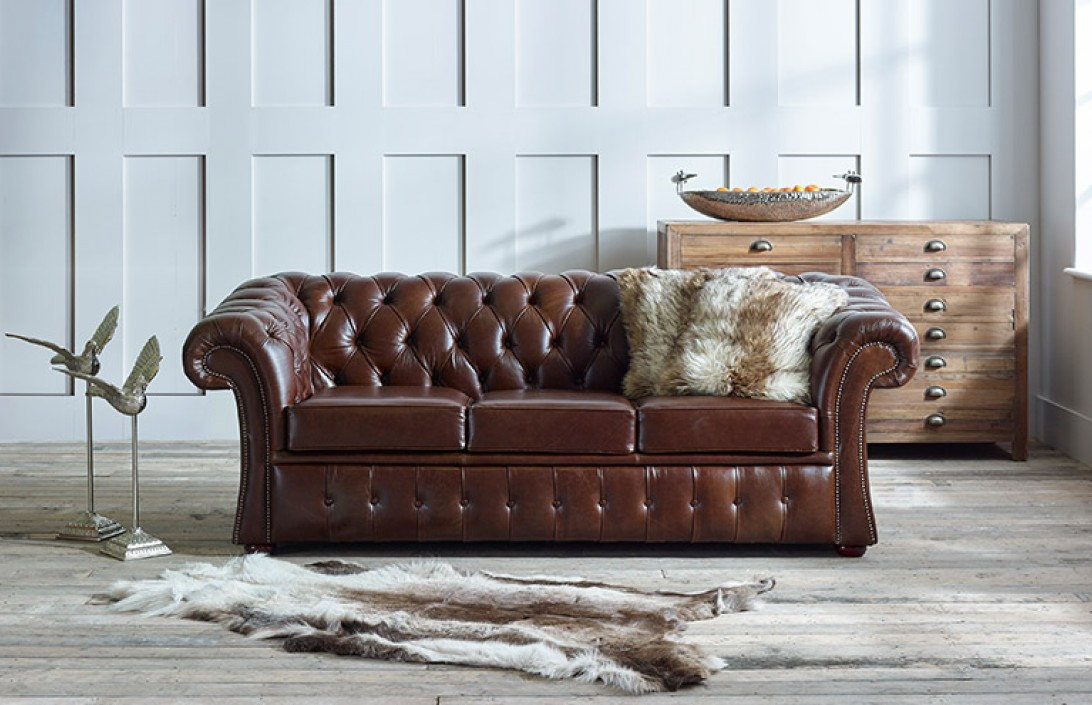 fine living room furniture beach house decorating ideas gladbury traditional leather sofa | chesterfield company
