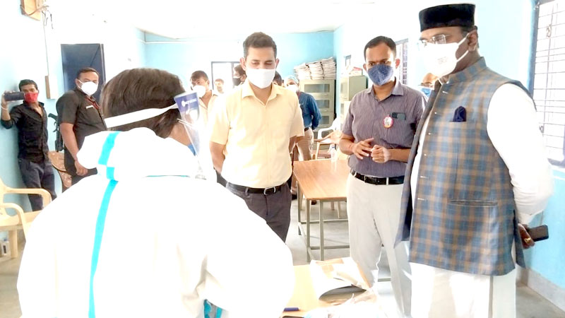 Minister Shri Sarang inspects Kovid Assistance Center and Vaccination Center
