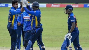 India Vs Sri Lanka 3rd ODI: India all out for 225 after batting collapse