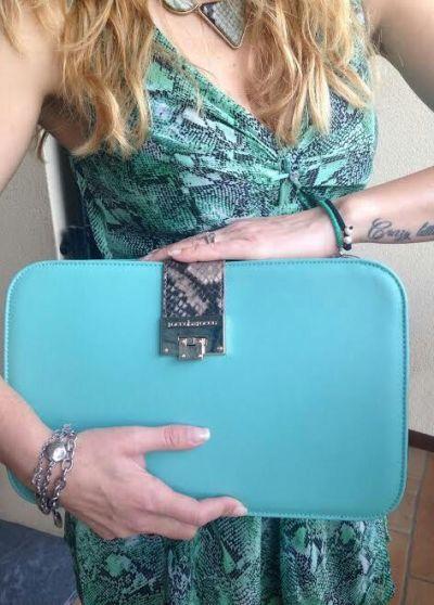abito pitonato verde Guess borsa roccobarocco