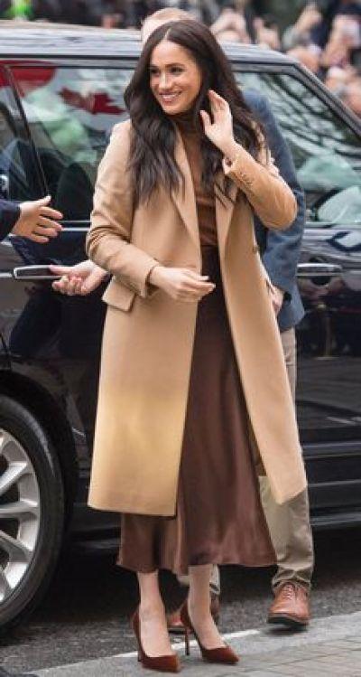 Meghan Markel gonna midi cappotto cammello The Chic Jam