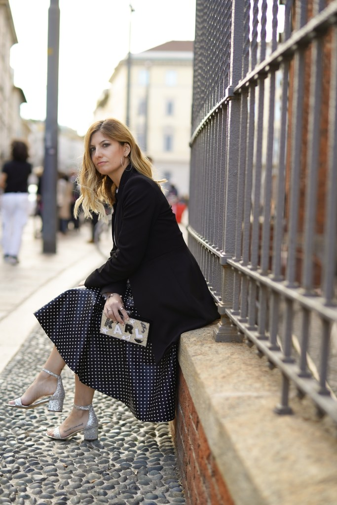Look anni 60 Milan Fashion Week 2020 pois the chic jam Karl Lagerfeld