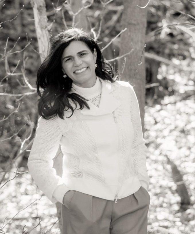 Debora De Sant'Anna Author Headshot