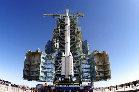 China plans to launch 100 satellites by 2015