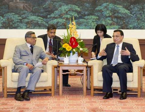Li Keqiang meets India's foreign minister, pledging closer cooperation