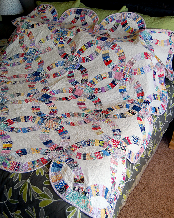 Double Wedding Ring Quilt 2