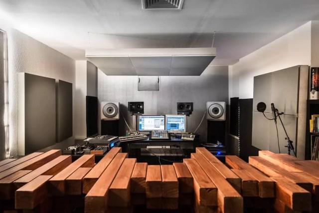1403riverside_studios_182_press