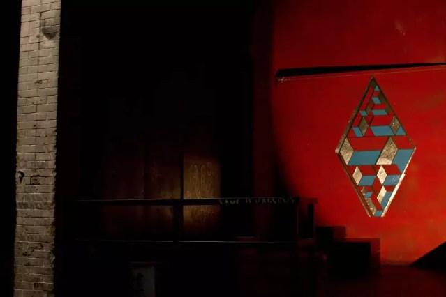 TAPE-ART-by-TAPE-OVER_rhombus_cabaret-aleatoire_marseille_wall