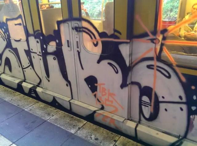 bvg-graffiti-berlin-15