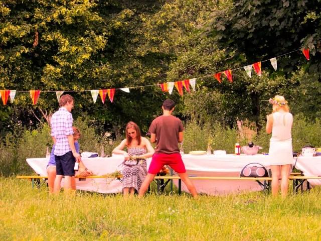 Mauerpark Picknick Berlin Prenzlauer Berg