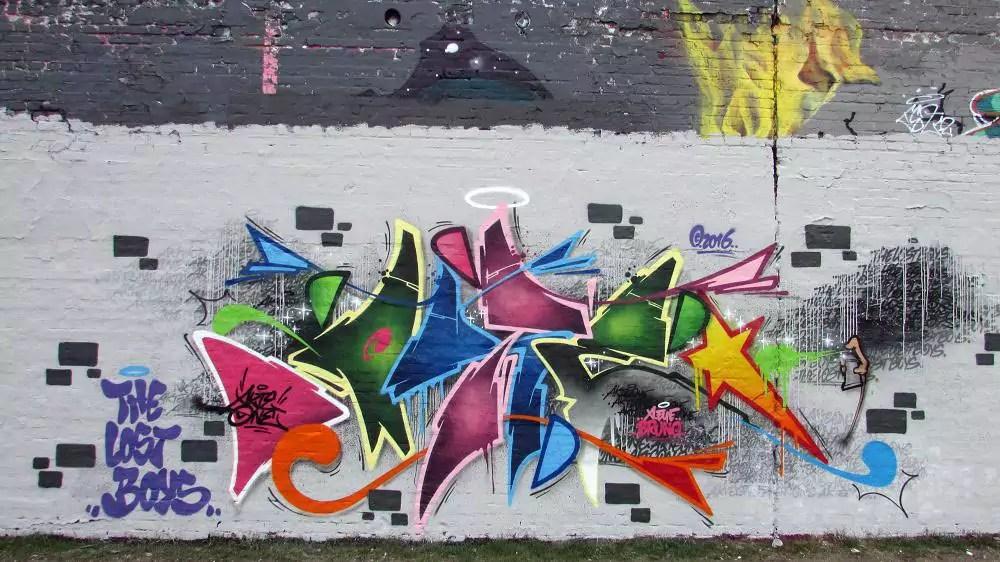 wall-graffiti-berlin-3
