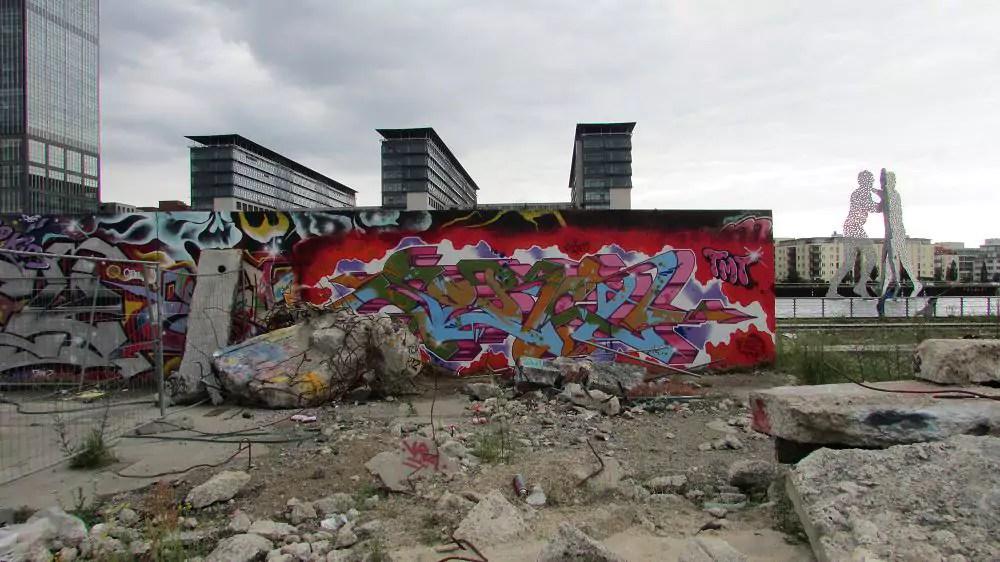graffiti-berlin-stralauer-allee-14