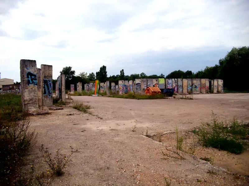 Berliner-Mauer-Segmente-Teltow