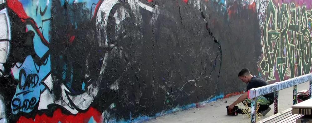 mauerpark-graffiti-wall-10