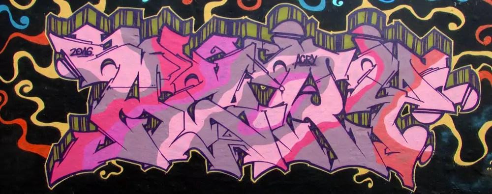 mauerpark-graffiti-wall-11