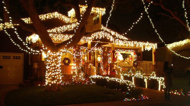 Free Christmas Spirit in Los Angeles; woodland hills candy cane lane