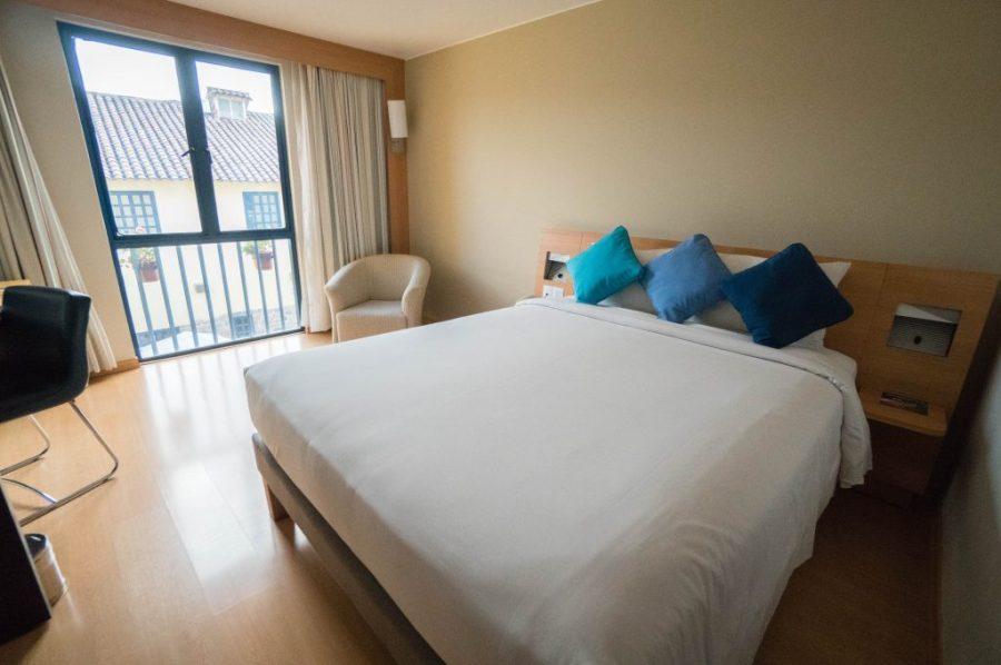 Novotel Cusco; interior bedroom