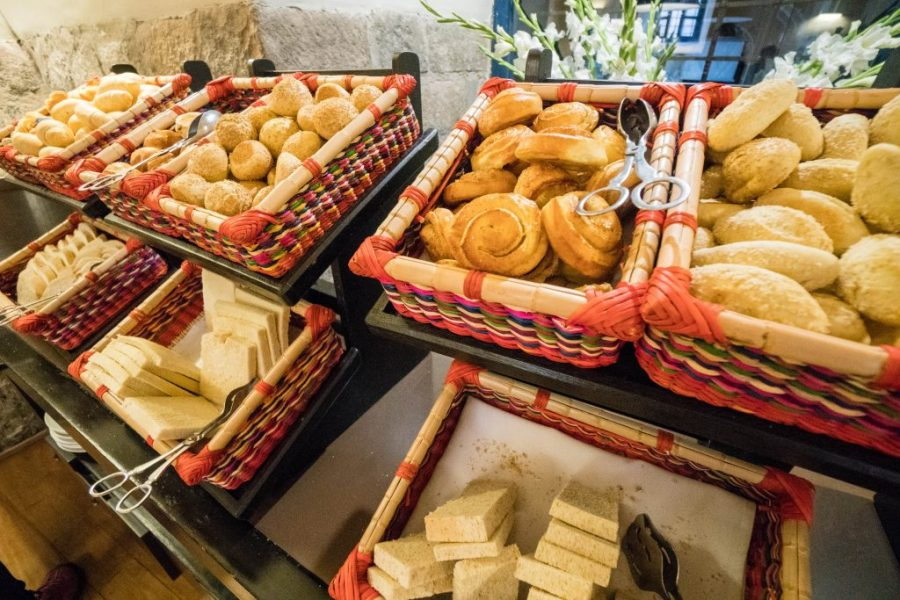 Novotel Cusco; interior breakfast lobby