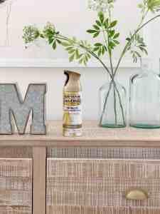 Five brass spray paint and Rub 'n Buff tutorials for your next DIY project. #rustoleum #spraypaint #goldhardware #brasshardware #brasspaint #brass #satinbronze #puregold #rubnbuff