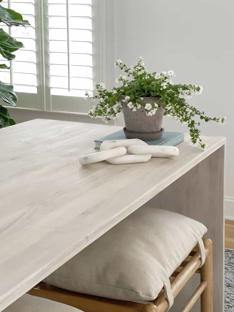 How to sand, bleach, and whitewash wood furniture.  #woodbleach #bleachingwood #bleachingcedar #whiteoak #whiteoakfurniture #furnituremakeover #refinishingfurniture #upcycling #upcyclingwood #diyprojects #diy #whitewashedfurniture #whitewashed