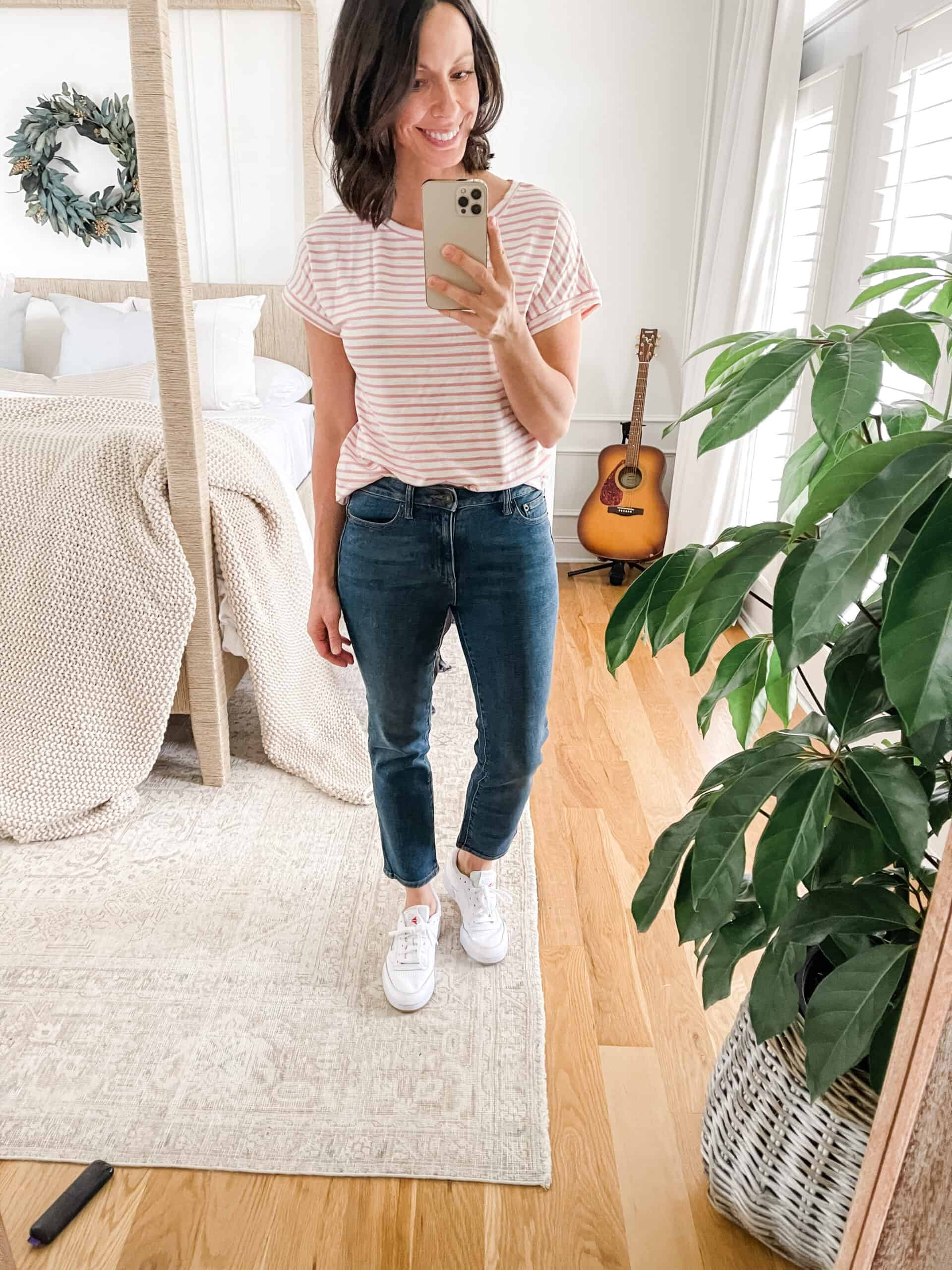cropped jeans with t-shirt
