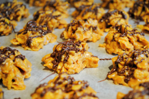amazing-cookies-no-bake-cornflake-peanut-butter-cookies-cookie-recipe