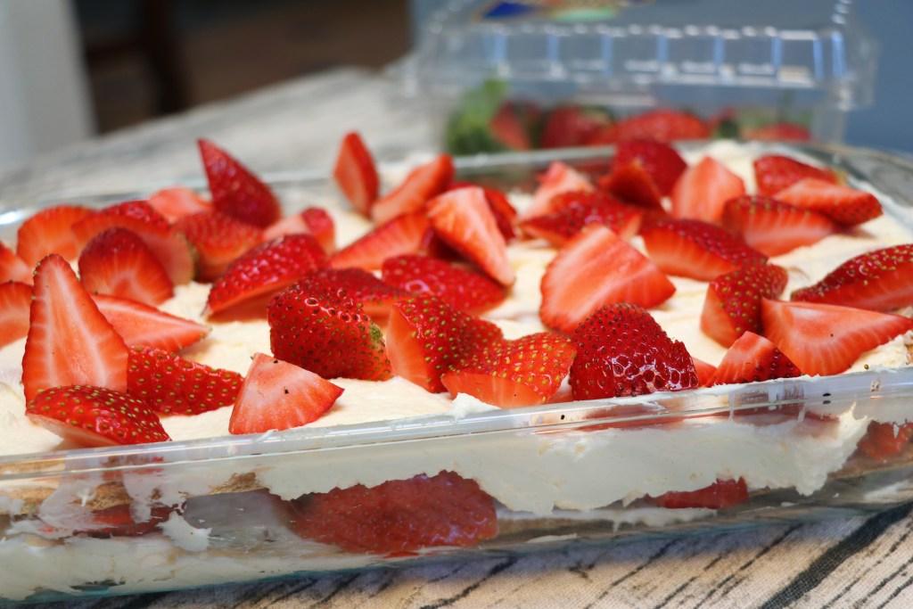 easy no bake strawberry cheesecake lasagna