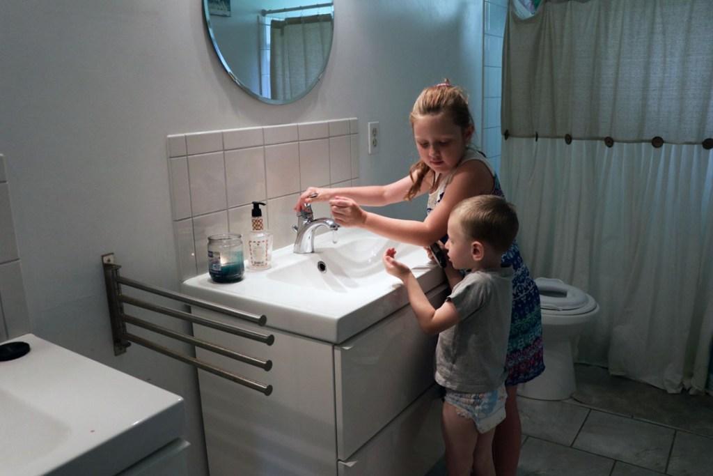 kid friendly clean bathroom