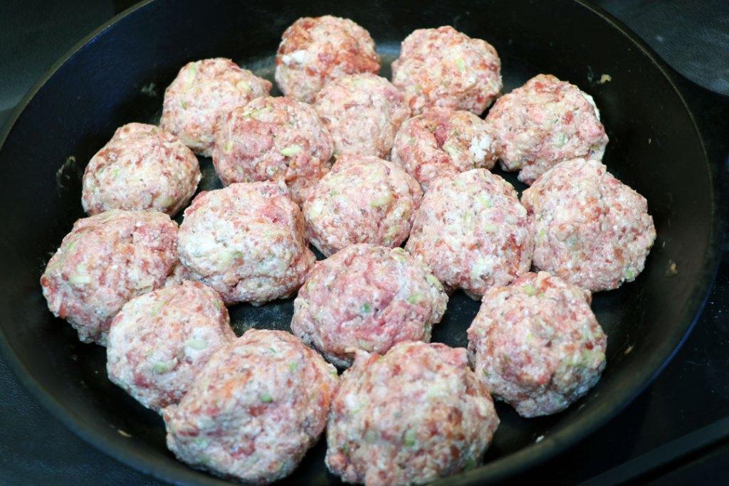 easy homemade meatballs. veggie meatballs