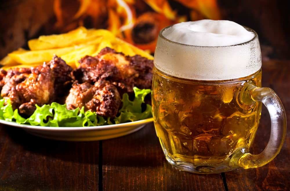Beer and grilled chicken wings