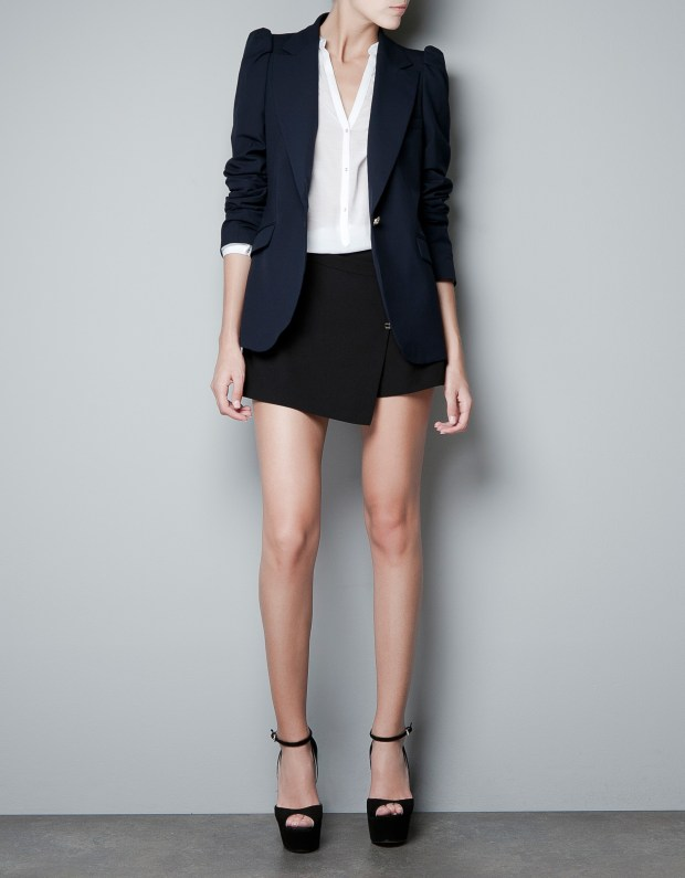 zara-navy-blazer-with-shoulder-thecolorharmony