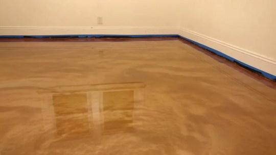 Metallic-Garage-Showroom-Flooring