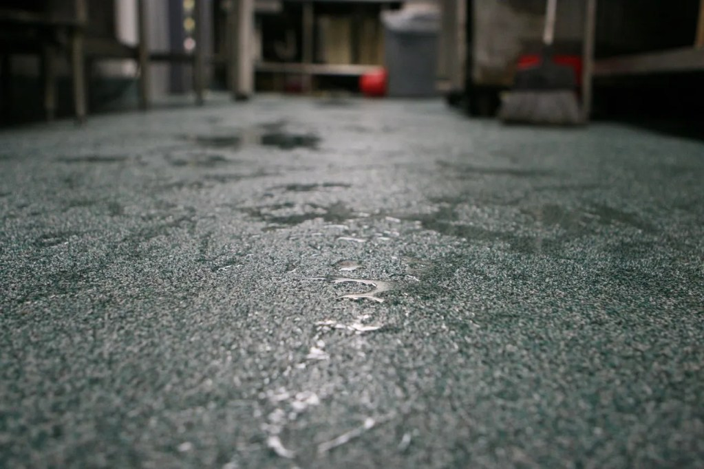 quartz broadcasted floors