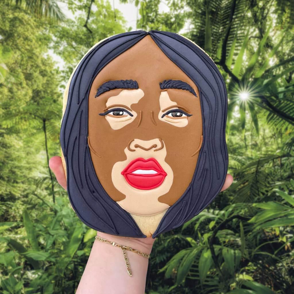 Winnie Harlow Face Biscuit insta photo