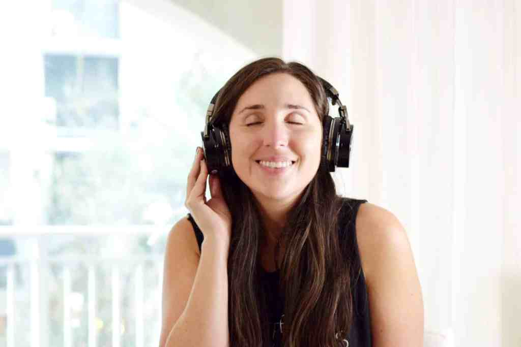 noise cancelling headphones millennial blog