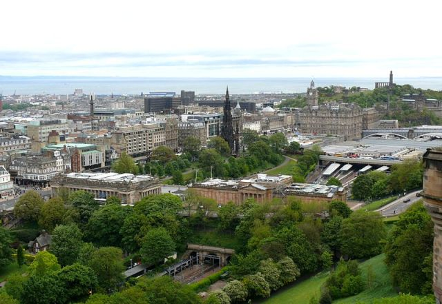 3 Reasons to visit Edinburgh Scotland