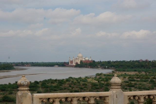 ew of Taj Mahal from Agra Fort