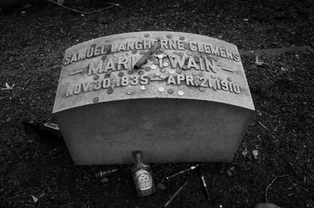 Samuel Clemens Mark Twain Headstone