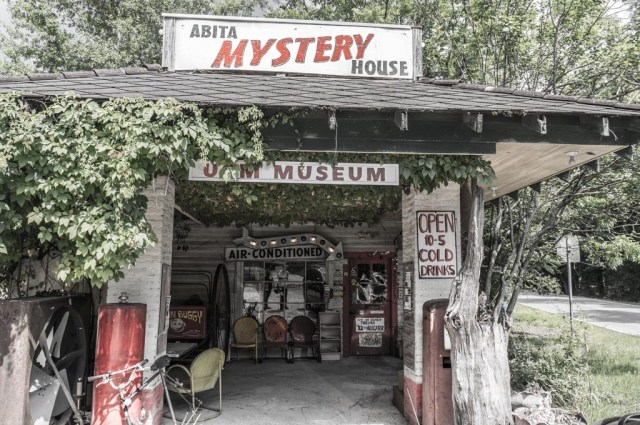 Abita Mystery House 3 Low-res