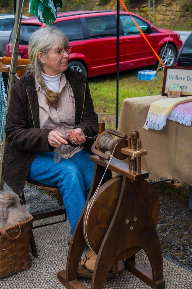 Bridge Day Festival weaver