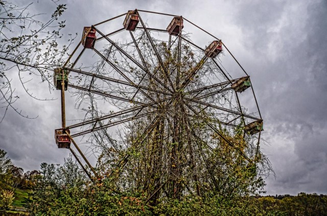 abandoned lake shawnee ferris wheel