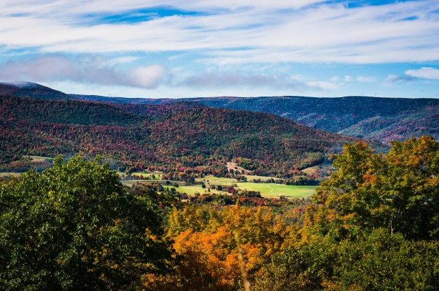 Highland Scenic Highway 7 Low-res