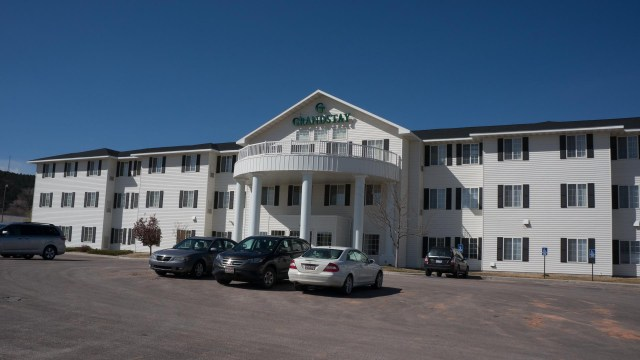 GrandStay Hotel Rapid City (9) Low-res