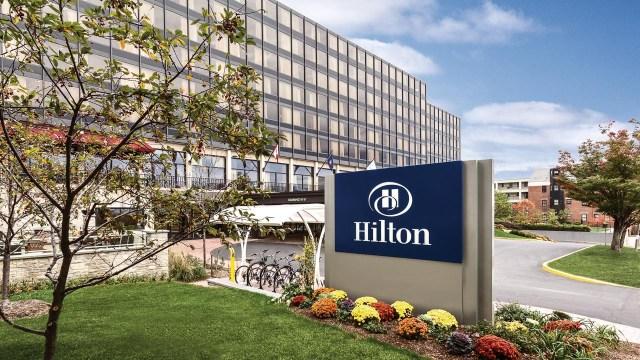 Hilton Burlington - Hotel Exterior - 989945 copy Web Ready