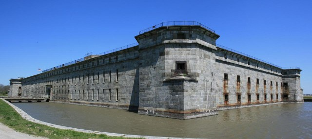 Fort Delaware State Park - Delware City, Delaware (source)