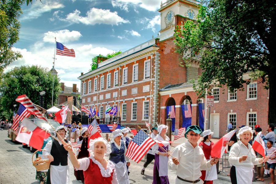 https://i0.wp.com/www.theconstitutional.com/sites/drupal.theconstitutional.com/files/Blog/july-4th-independence-hall-parade-900VP.jpg