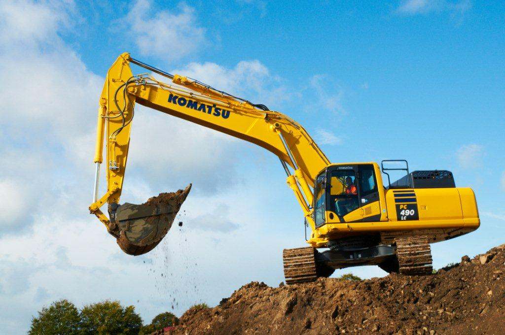 Komatsu Celebrate 25 Years Of Excavator Manufacture In The Uk