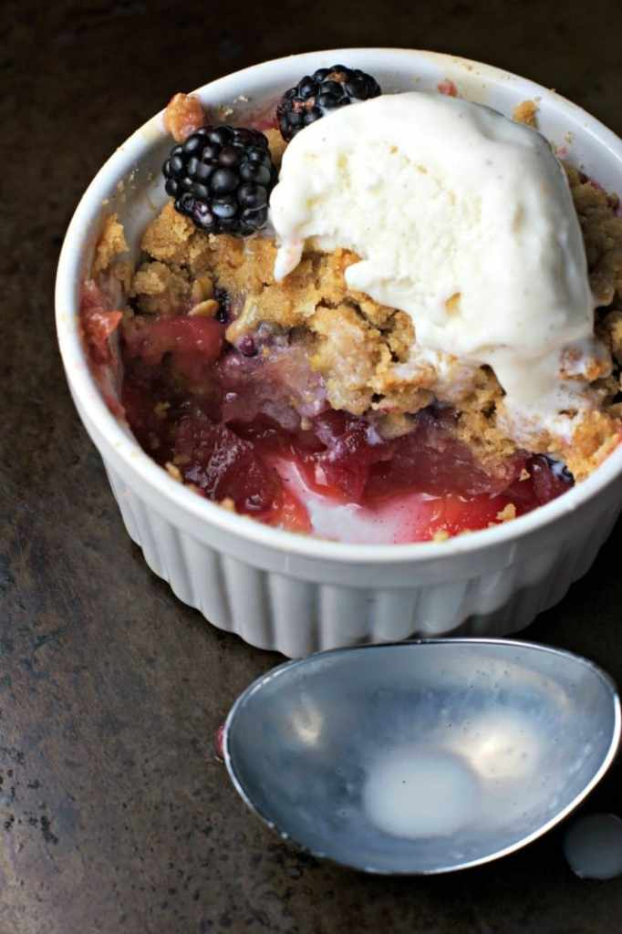 apple blackberry crisp 4