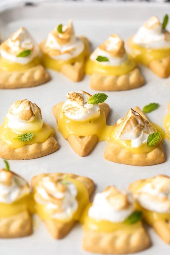 Mini lemon meringue pie tarts